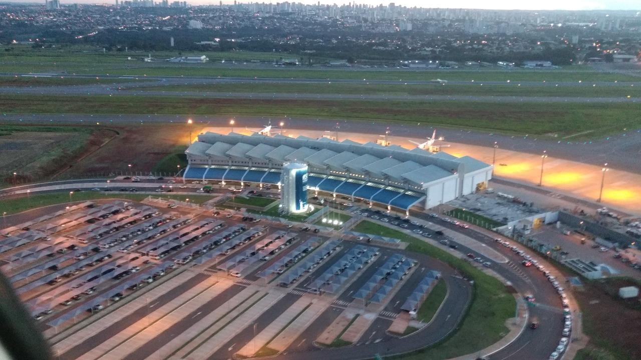 Primeiro voo internacional pousa em Goiânia nesta sexta-feira - Sagres  Online